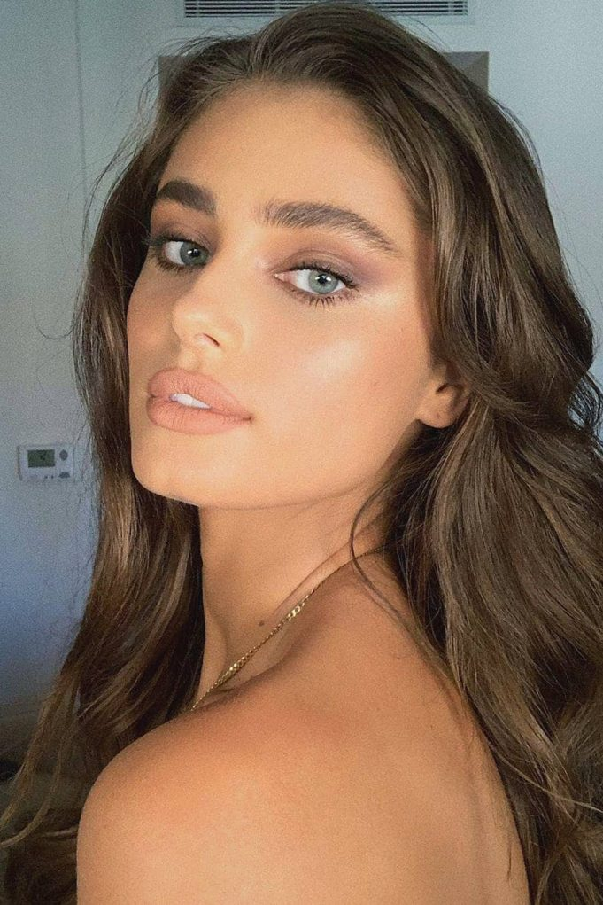 Instagram @taylor_hill