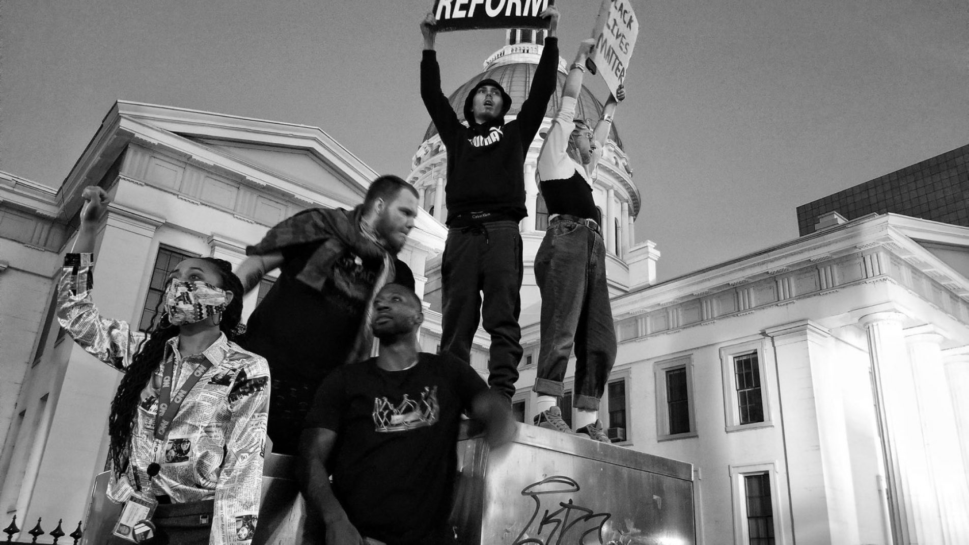 29 May 2020. People protesting over the death of George Floyd in downtown St Louis, Missouri. Photography by Vanessa Charlot.