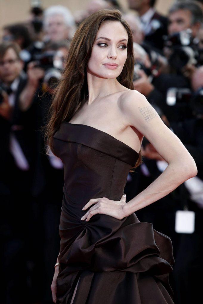 Angelina Jolie CELEBRITY FITNESS VOGUE